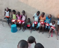 8.Phola lunchtime feeding